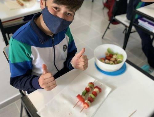 6A-Aprendemos a comer fruta de manera divertida-3